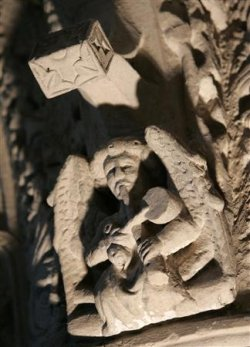 Angel sculpture in Rosslyn Chapel